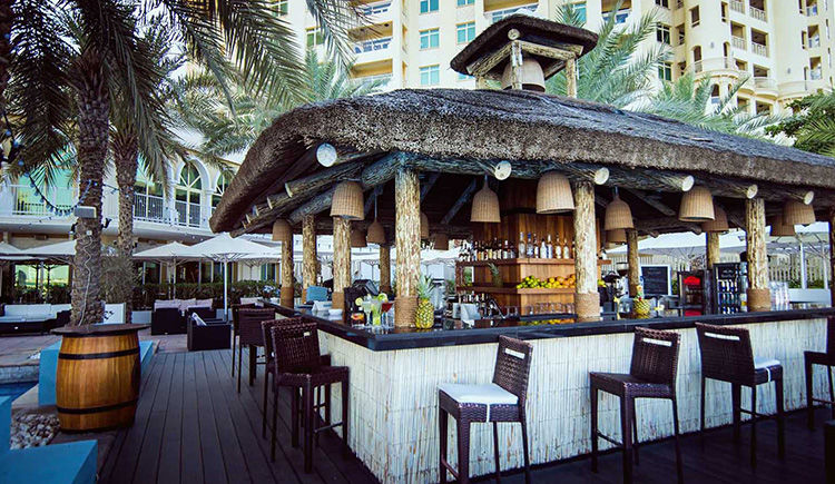Movenpick Jumeira Lake Towers bar