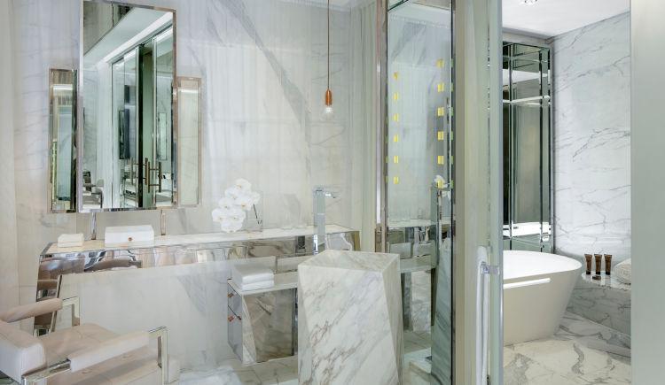 Charleston suite bathroom