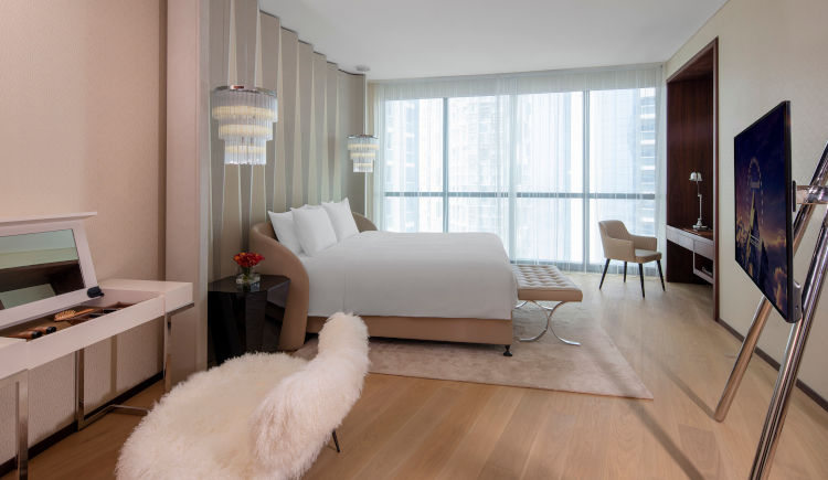 Carole Lombard bedroom