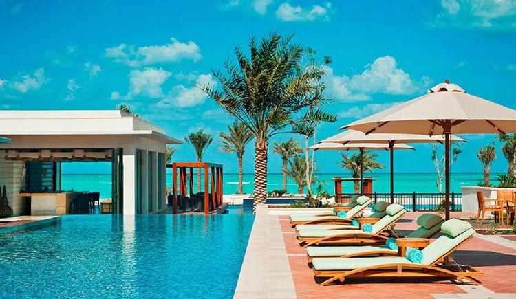 St Regis Saadiyat Island piscine