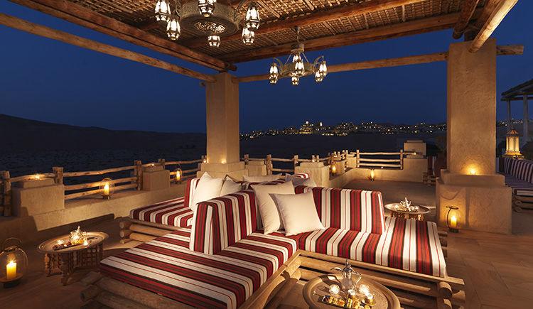 Qasr Al Sarab Desert Resort by Anantara terrasse Majlis