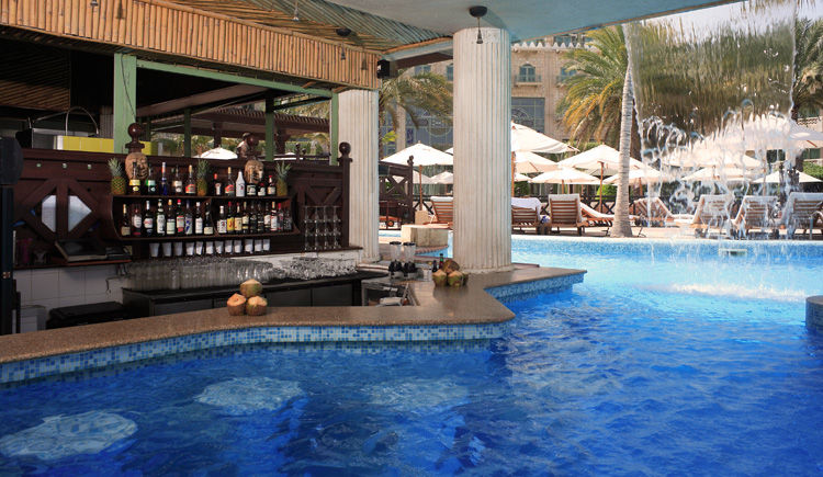 pool bar Marjan