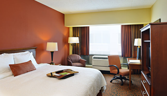 hampton inn center city