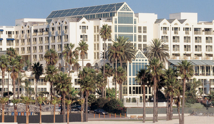 Loews Santa Monica Beach 5 *