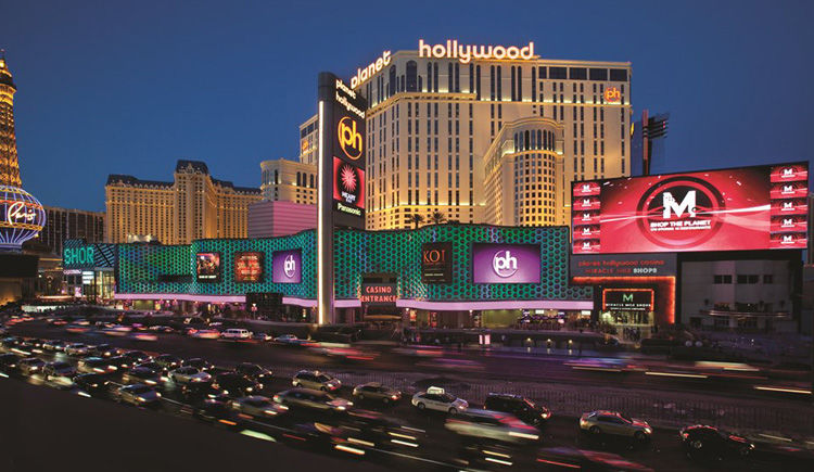 Planet Hollywood 4 *