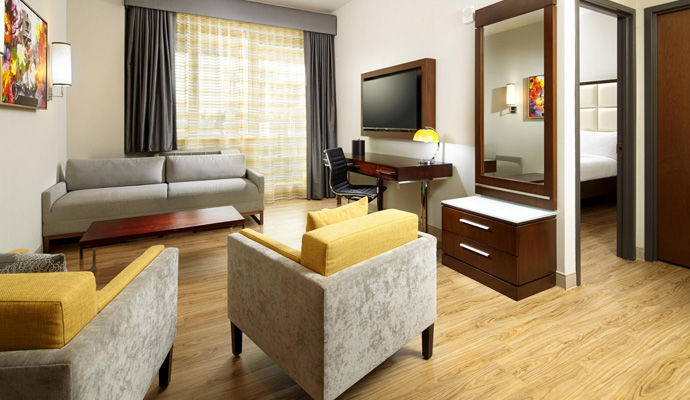 king suite linving room