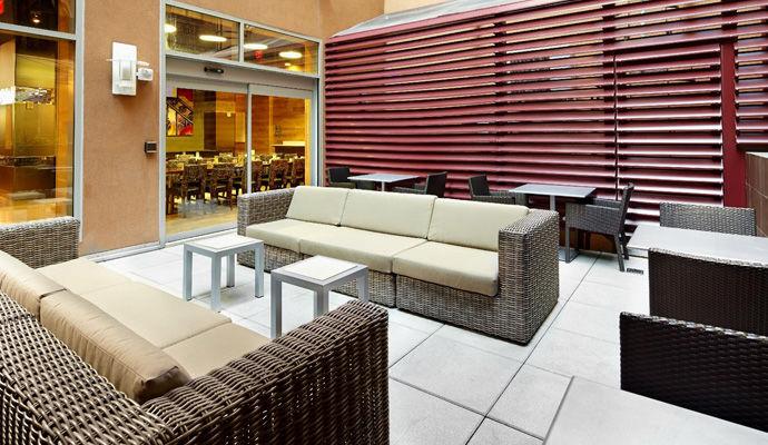 patio lounge