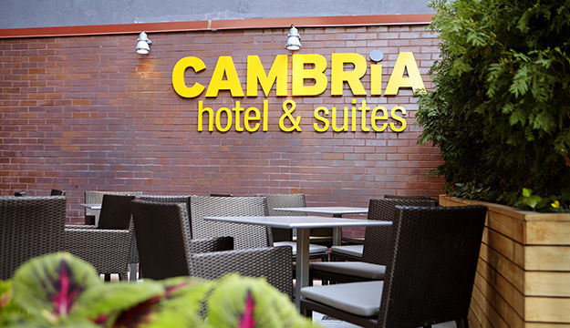 Cambria Hotels & Suites Chelsea	 3 *